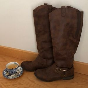 •Mossimo• brown boots *like new*